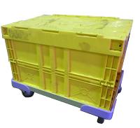 折りたたみコンテナ―を積み重ねて容易に運搬できます